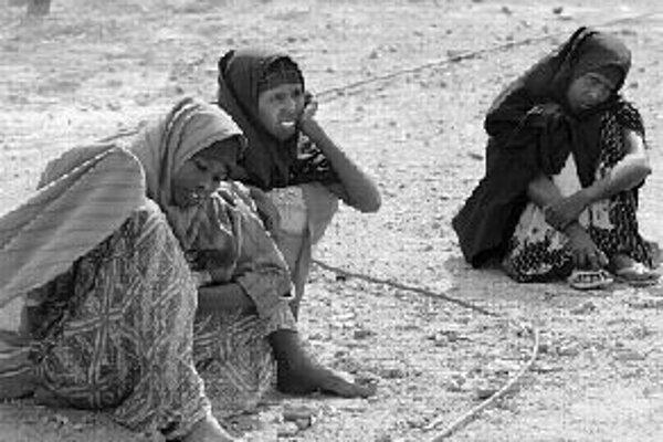 SomálskoAmerický inštitút vydal rebríček štátov, ktoré nedokážu zabezpečiť svojim občanom ekonomické, politické, bezpečnostné a sociálne funkcie. V prvej trojke sú Somálsko, Afganistan a demokratická republika Kongo. Úplne najhoršie je na tom Somálsko.