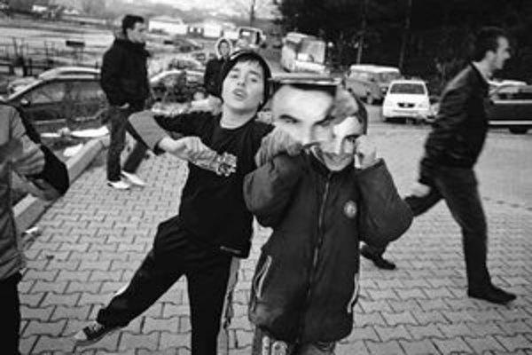 Fotografia z víťaznej série Voľby v Kosove, november 2007.