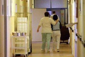 Na chodbách sa personál zdraví novému riaditeľovi už  viac ako dva týždne.