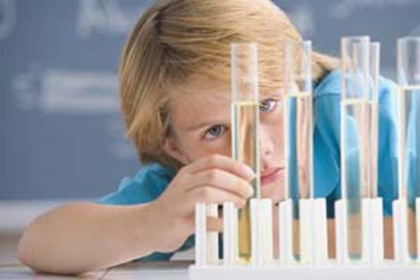 Deti sa hravou a tvorivou formou zoznámia s akademickým prostredím a charakterom univerzitného štúdia.
