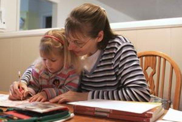 Najväčšou výhodou práce z domu je bezproblémové skombinovanie práce a starostlivosti o dieťa.