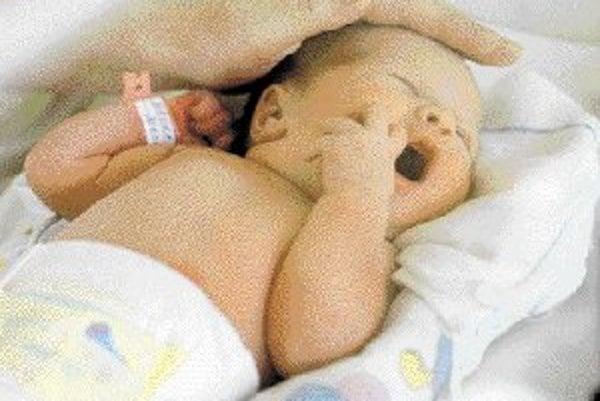 V nemocnici na Antolskej v Bratislave je o predčasne narodené deti dobre postarané. Mamičky môžu byť s bábätkom v neustálom kontakte, vďaka čomu často úspešne dojčia a deti sa rýchlejšie zotavujú.