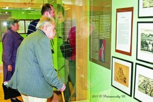 Prví návštevníci výstavy Homo novus.