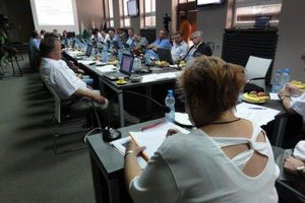 Poslanci novozámockého zastupiteľstva budú riešiť aj konsolidáciu mestských financií.