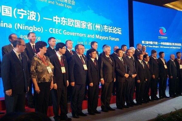 Delegácia ŽSK vedená žilinským vicežupanom Jozefom Štrbom sa stretla v uplynulých dňoch s čínskymi partnermi v provincii Zhejiang, ktorá je od roku 2012 partnerským regiónom Žilinskej župy.