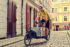 Cyklista je vhodný logistický prvok najmä pre pešiu zónu a centrum. Využívame prekládku z áut na bicykle na rozhraní pešej zóny.