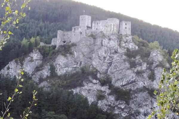 V Liptovskom Jáne bude turistov lákať aj model zrúcaniny Strečna.