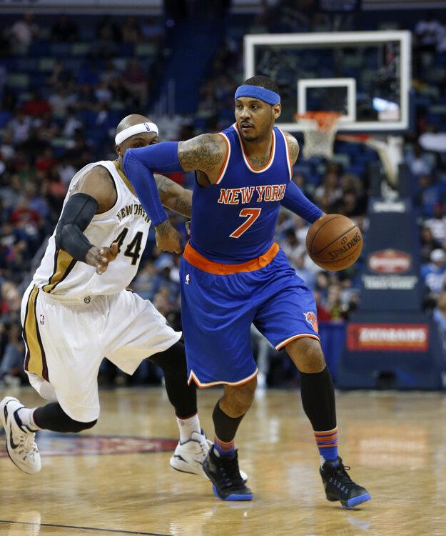 Carmelo Anthony (vpravo) je najskúsenejším hráčom USA vo výbere.