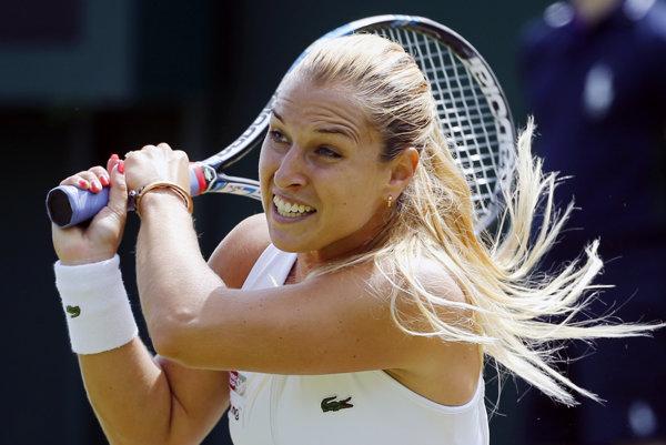Dominika Cibulková postúpila na Wimbledone do 2. kola.