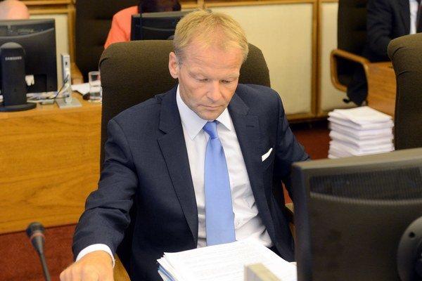Úlohy fondu prevezme ministerstvo hospodárstva, ktoré vedie Vazil Hudák.