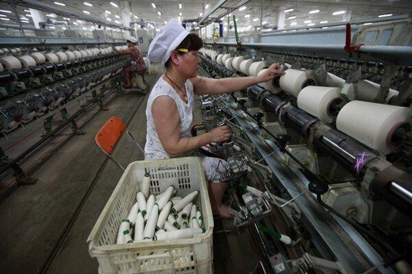 Z Číny dovážame výrobky za miliardy eur.