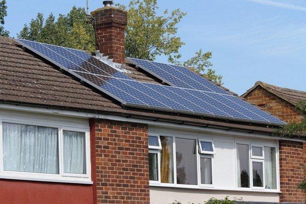 Ak chcete šetriť na energii, porozmýšľajte, či si nedáte nainštalovať obnoviteľný zdroj energie.