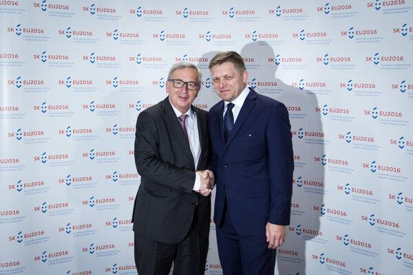 Robert Fico a predseda EK Juncker.