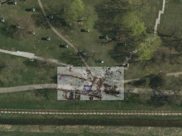 Takto zachytil základy špitála georadar (vyznačené červenou).