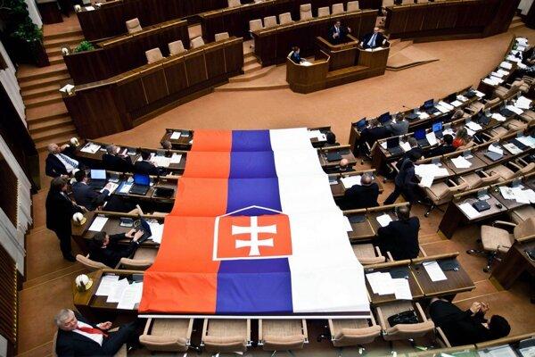 Smeráci so zástavou v roku 2011.