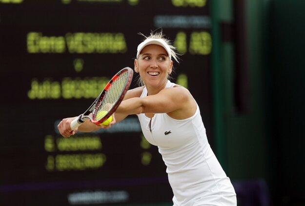 Jelena Vesninová sa ako päťdesiata hráčka sveta dostala už do štvrťfinále Wimbledonu.
