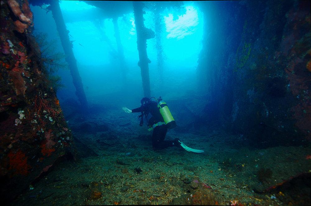 Obľúbeným miestom pre potápačov pri Tulambene je vrak americkej lode Liberty, ktorú počas ll. svetovej vojny potopilo japonské torpédo.