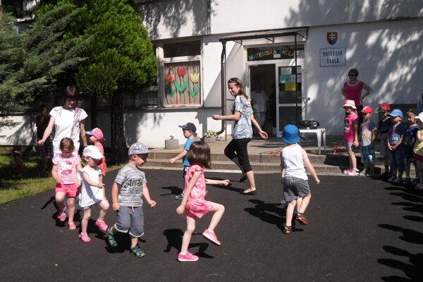 Škôlkari sa predviedli aj v kultúrnom programe.