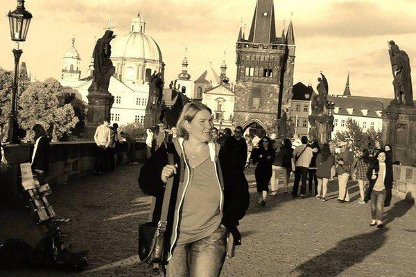 Martina na Karlovom moste. Košičanka považovala Prahu za svoj druhý domov.