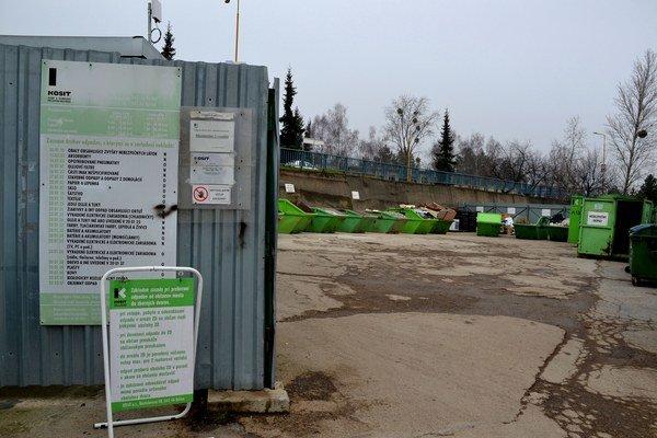 Zberný dvor. Nelogický výber poplatkov za stavebný odpad spôsobuje mestu škodu.
