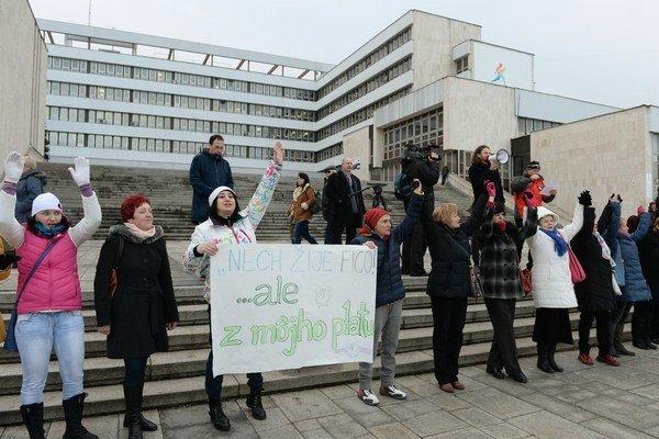 Protest pred košickým magistrátom.