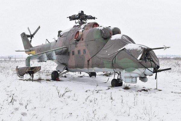 Bojový vrtuľník Mi-24. V letectve SR slúžilo celkovo 19 vrtuľníkov Mi-24, vyradené boli v roku 2011