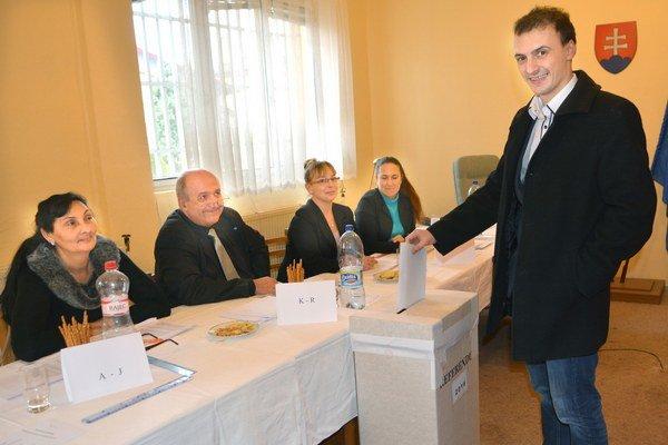 Referendum v Džungli. Vyjadriť svoj názor prišiel aj Šimon Balog.