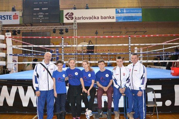 Mladí košickí kickboxeri na turnaji Karlovac Open v Chorvátsku.