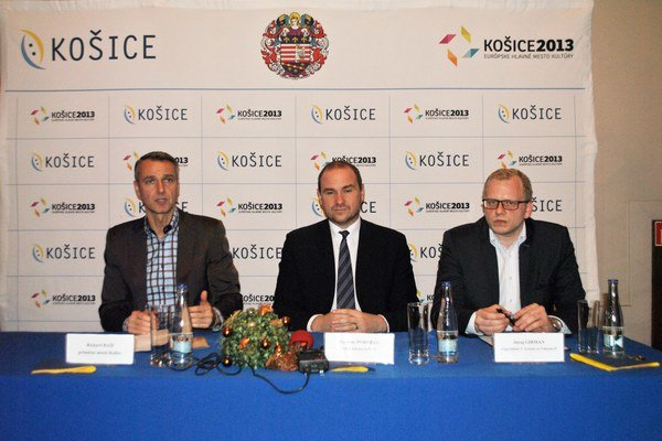 Primátor (vľavo), Jaroslav Porubän a Juraj Girman. Od aplikácií si sľubujú veľa.