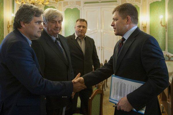 Premiér rokoval so živnostníkmi a stavebnými podnikateľmi.