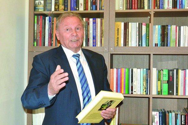Prezidentská knižnica. Ďalší z mnohých splnených snov Rudolfa Schustera. Garantujeme vám, že sa v nej nudiť určite nebudete.