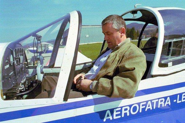 Ján Slota rád lieta (archívna snímka z roku 2004).
