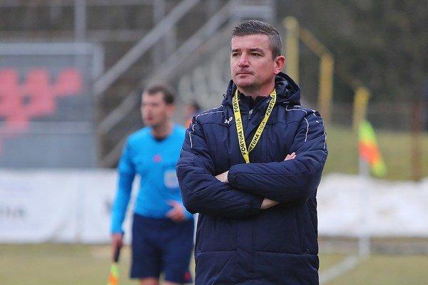 Tréner Fabuľa. Aj v pohári chce vyrukovať s aktívnym futbalom.