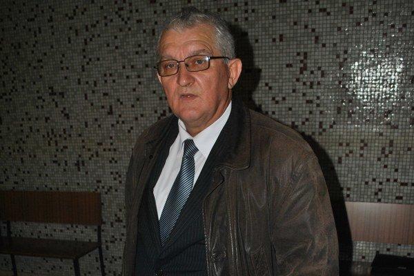 Advokát Daniel Adamčík. Vraví, že radšej by sa s vedením mesta džentlmensky dohodol, než sa naťahoval na súde.