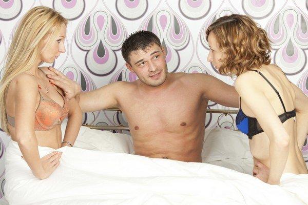 Striedanie partnerov uľahčuje cestu k nákaze HIV.