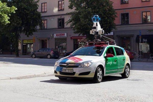Google auto. Vybralo sa na východ aktualizovať Street view.