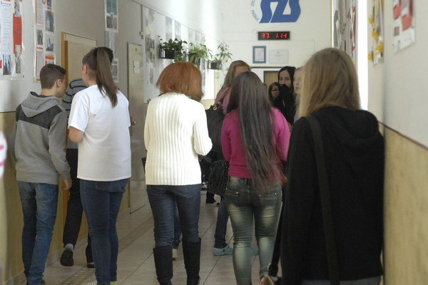 Študentky na Kukučínovej. Polepšili sa, no reparát z dejepisu a chémie stále čaká na 14 z nich