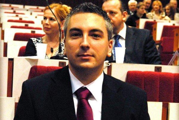 Poslanec a vicestarosta Trnka. Výzva jeho bývalých spolustraníkov ho veľmi dobre pobavila.