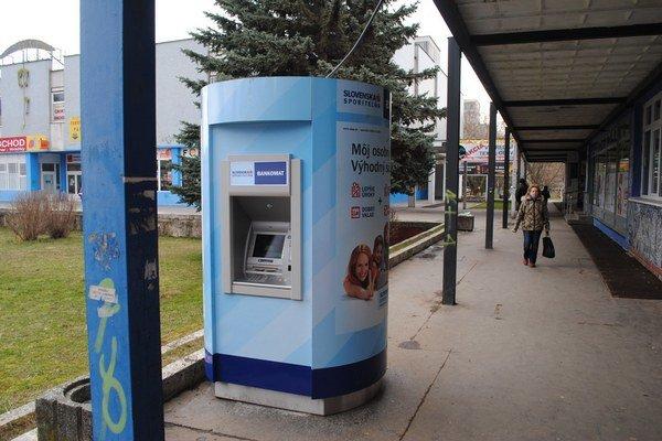 Bankomat v Prešove. Je jedným zo 14 vykradnutých.