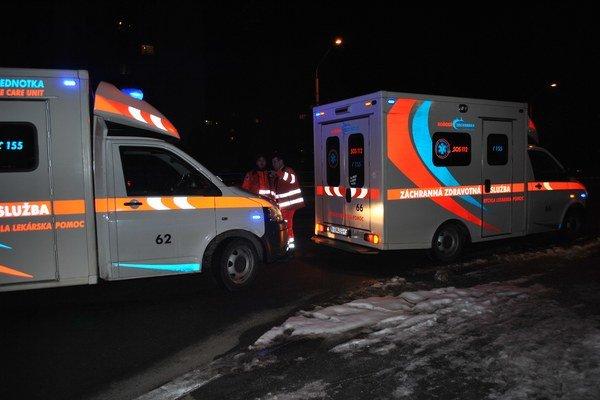 Pri nehode boli až dve sanitky.