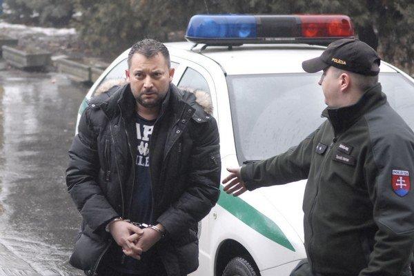 Zoltána A. v sobotu predviedli na súd.