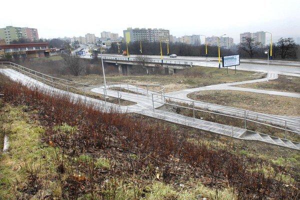 Budúci Park na DH VIII. Tento rok v ňom pribudne aj parková výsadba, lavičky a detské ihrisko.