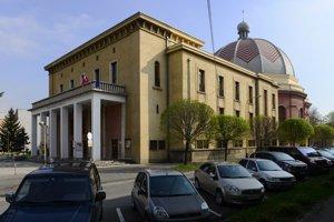 Bývalá synagóga, dnes Dom umenia.