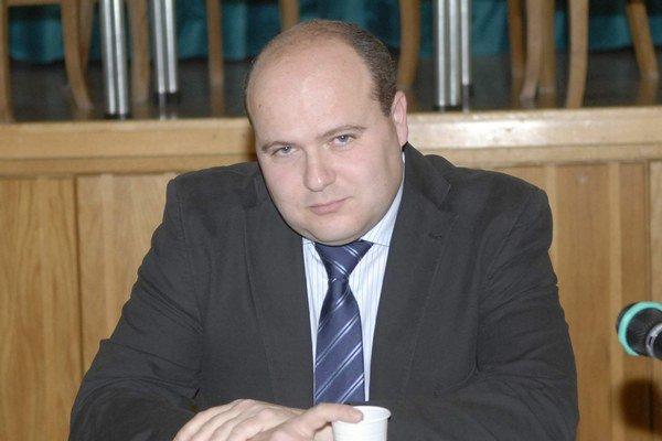 Ján Bílek tvrdí, že na úrade sa netrápil.