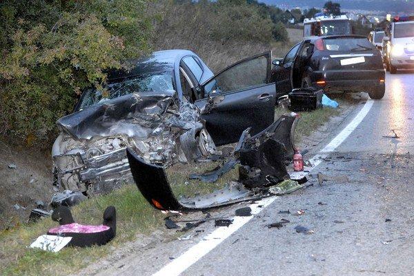 Tragédia pri Lorinčíku. Pri nehode zomreli dvaja ľudia.