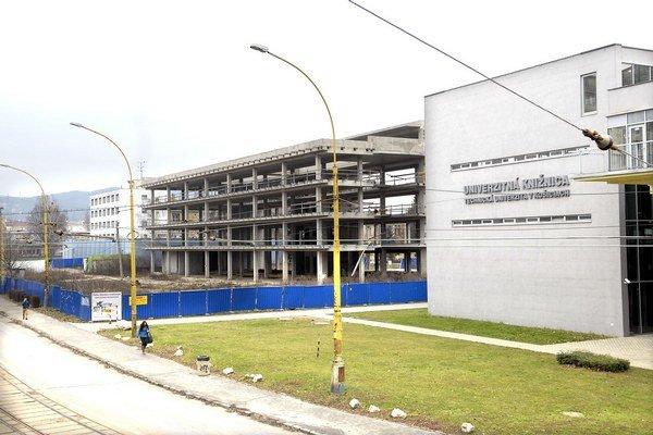 Budova Technicomu. Stojí vedľa novej knižnice TUKE.