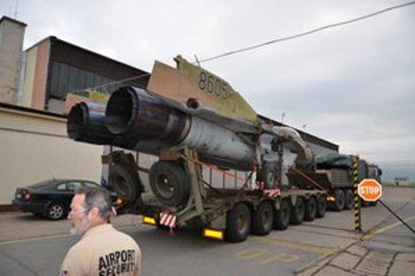 Najnovší prírastok. Letecké múzeum má od včera ďalšiu kuriozitu. Nadzvukovú stíhačku MiG-29A.