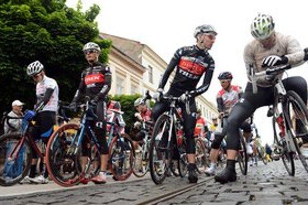 Kvôli cyklistom v meste obmedzia dopravu.