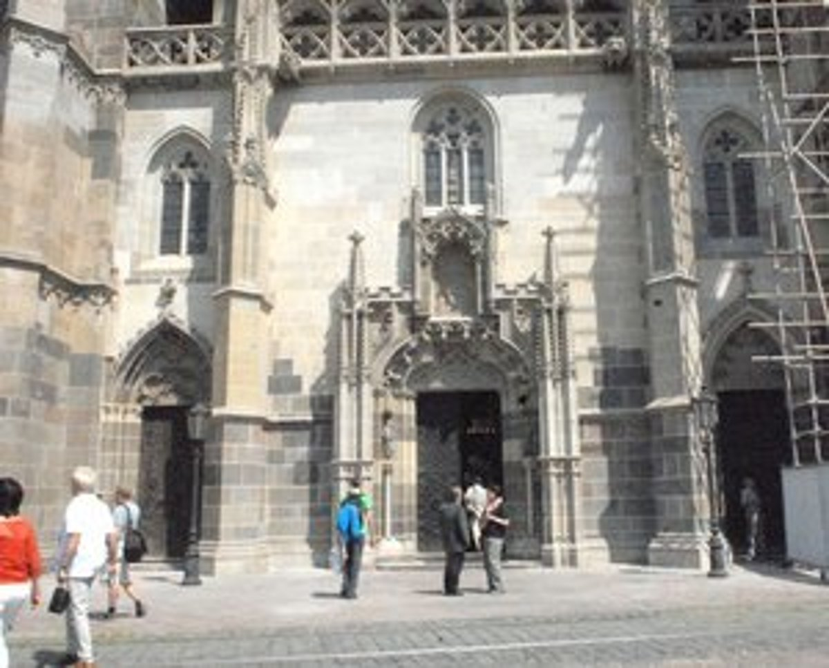 V košickom Dóme sv. Alžbety zreštaurovali hlavný vchod
