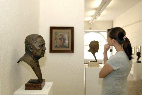 Tvorba košického majstra sochárstva. Arpád Račko vystavuje diela do 4. augusta.